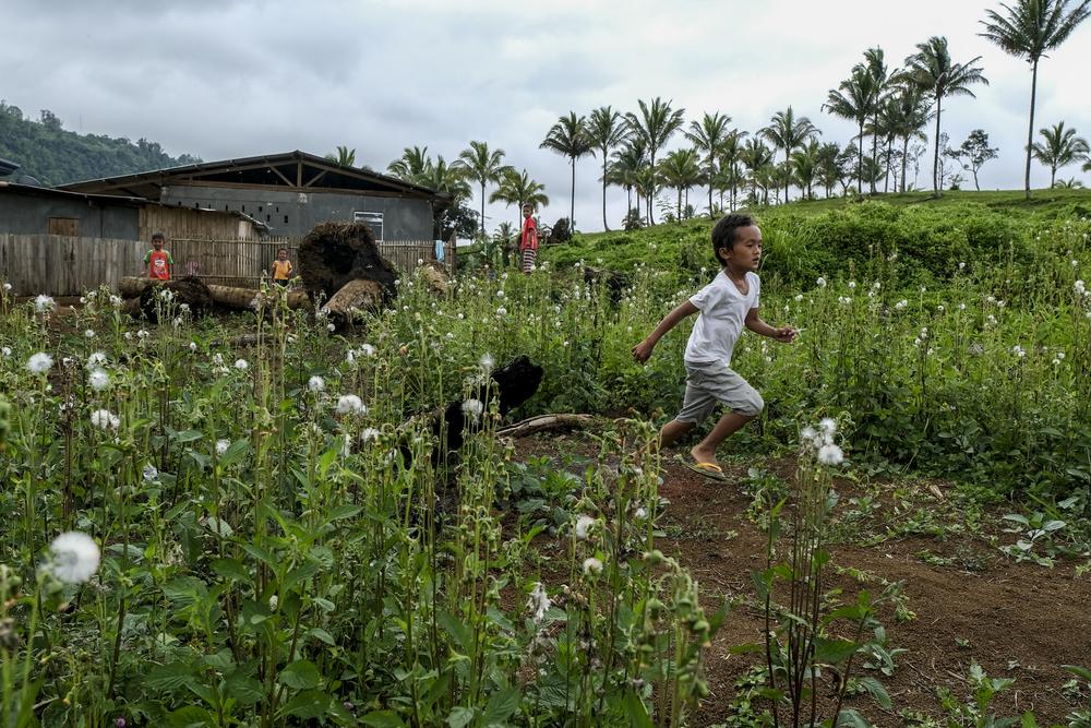 Nas Filipinas, Médicos Sem Fronteiras (MSF) trabalhou para melhorar os cuidados de saúde sexual e reprodutiva para moradores de favelas da capital Manila, prestou assistência aos deslocados internos em Mindanau e respondeu à COVID-19 e a desastres naturais. (Foto: Veejay Villafranca)