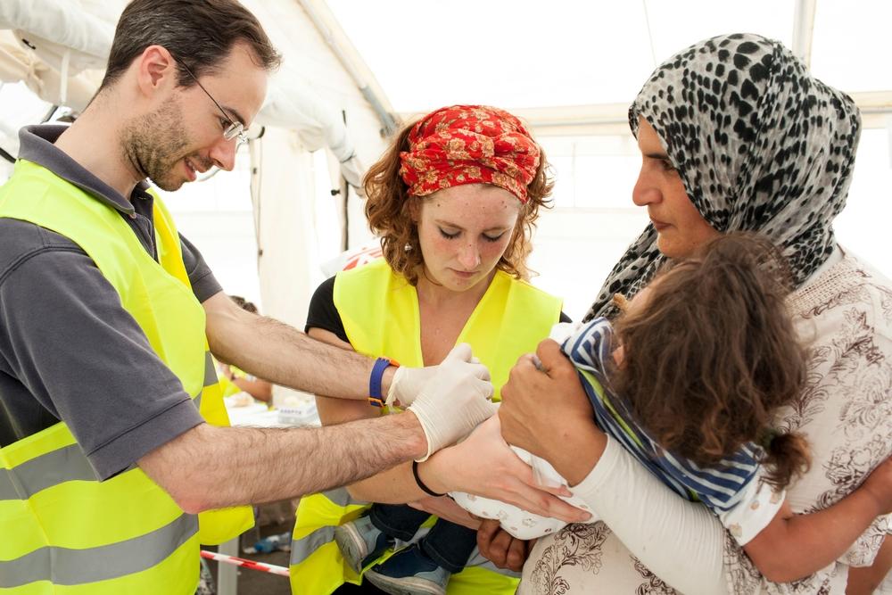 Grécia: preço alto de vacina contra pneumonia é a principal barreira para vacinar crianças refugiadas