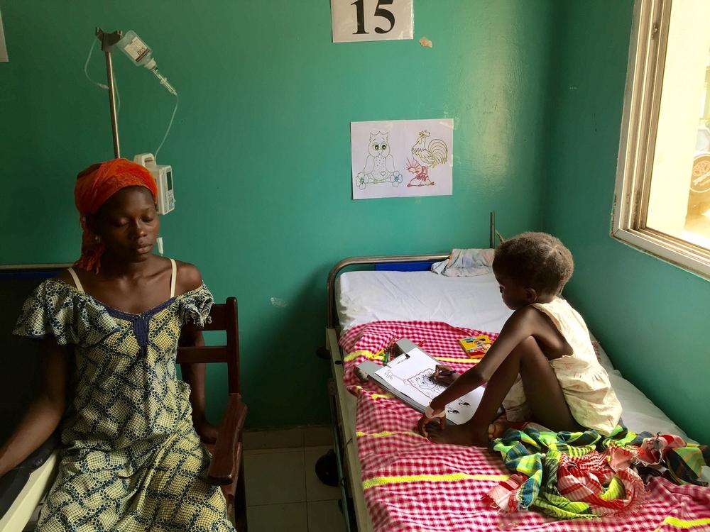 """Guiné Bissau: """"Muitas crianças seriam salvas se chegassem ao hospital antes"""""""