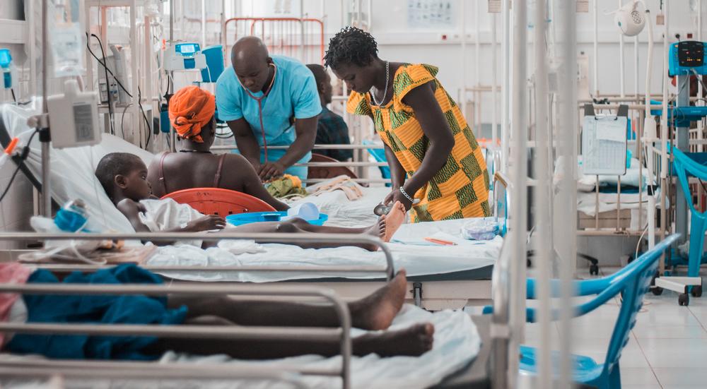 Há quase seis anos, Médicos Sem Fronteiras (MSF) trabalha na Guiné-Bissau para melhorar os cuidados pediátricos. (Foto: Raul Manarte/MSF)
