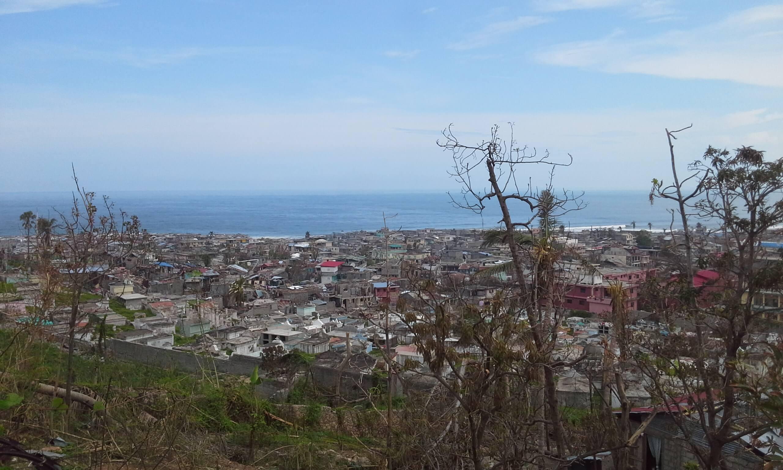 Ajudando a reconstruir o Haiti após o furacão