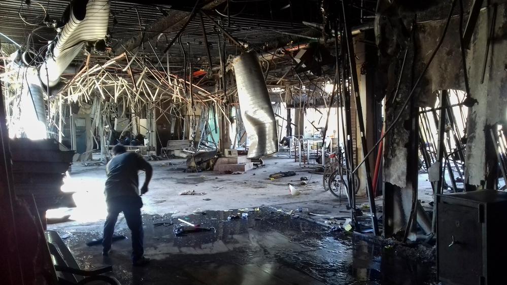 Instalação de saúde destruída pela violência em Mossul.