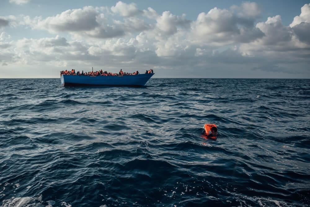 Número de afogamentos dispara enquanto Europa bloqueia assistência no Mediterrâneo
