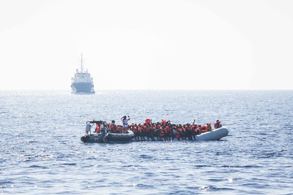 MSF condena ataque a navio de resgate no Mediterrâneo