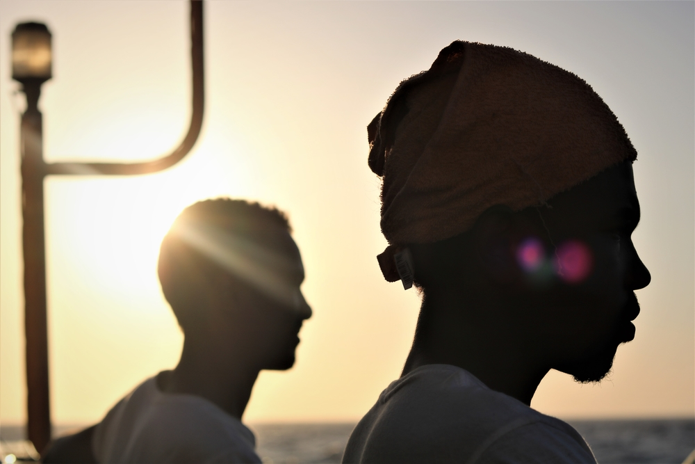 """""""Um rapaz líbio de 20 anos contava sua história enquanto eu removia estilhaços de seu corpo"""""""