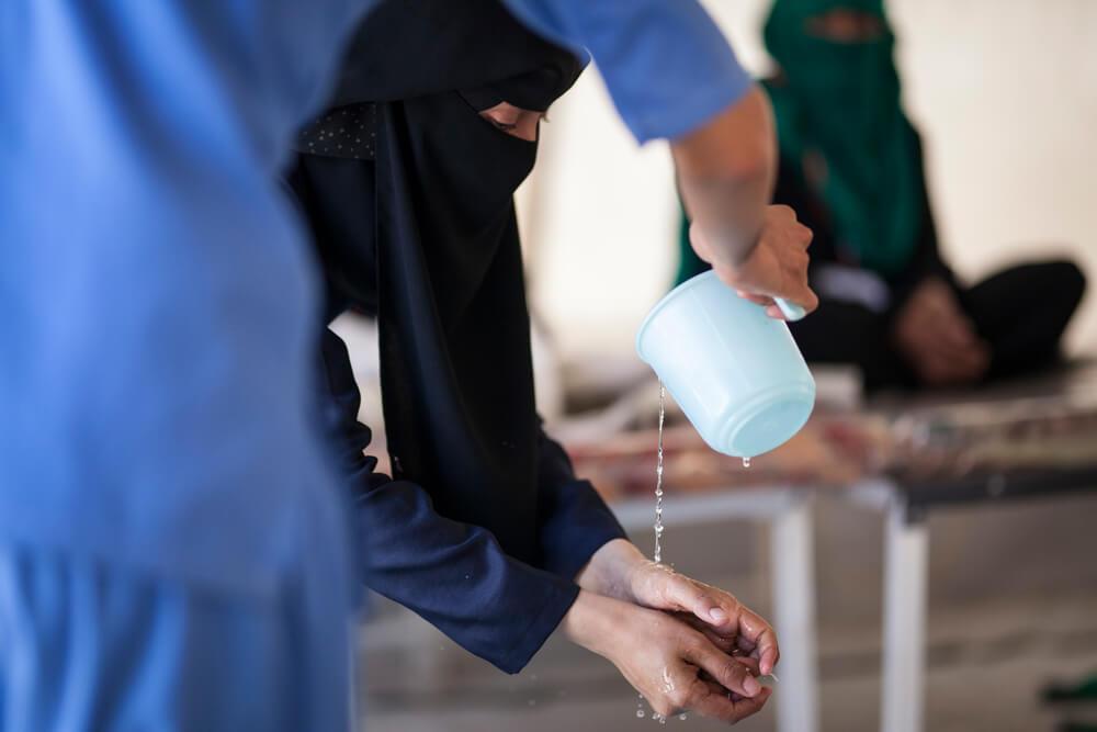 Iêmen: MSF reduz resposta ao surto de cólera conforme número de casos diminui