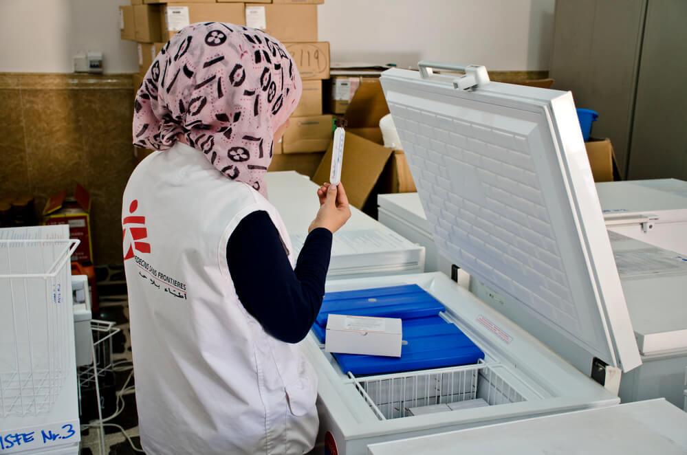 Iraque: vacinando crianças e adolescentes contra o sarampo