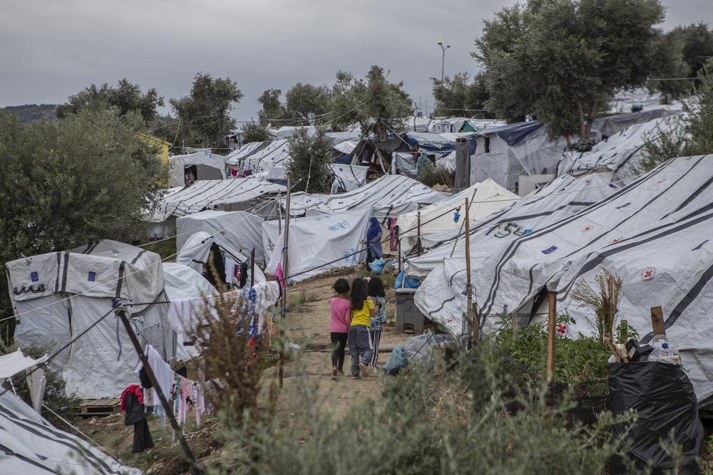 Incêndio atinge o campo de refugiados de Moria, na Grécia, e deixa uma criança morta