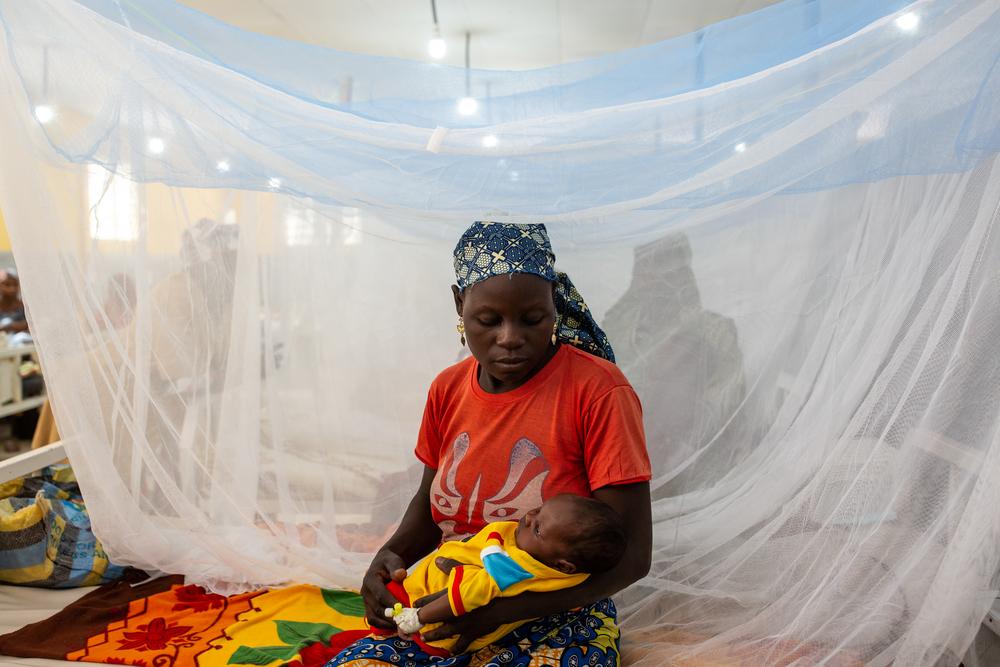 Enfermaria infantil no Mora General Hospital, em Camarões / Foto por: Patrick Meinhardt