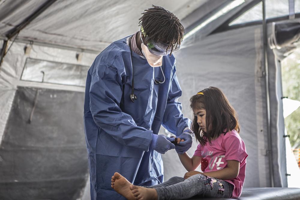 Efeito colateral: a ameaça à saúde infantil em contextos humanitários durante a pandemia de COVID-19