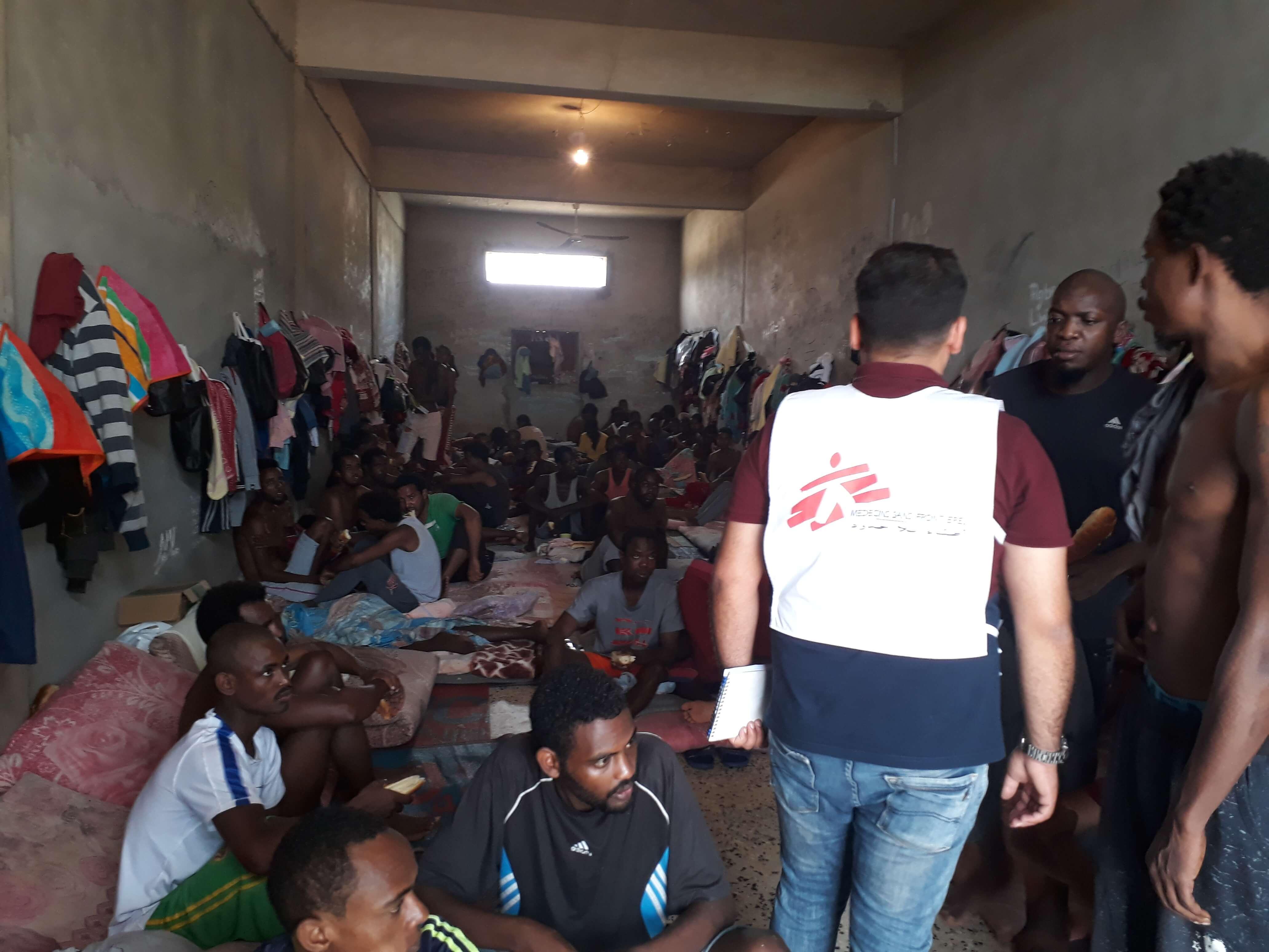 MSF pede fim de detenção arbitrária de refugiados e migrantes na Líbia
