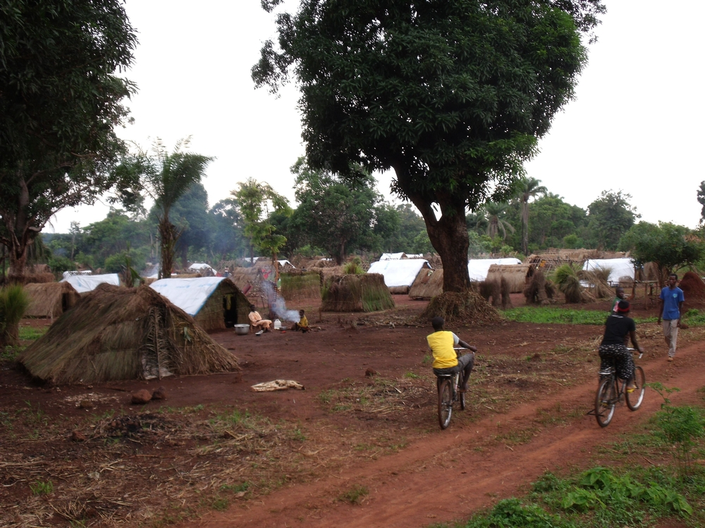 Bairro próximo à base de MSF foi atacado; milhares de famílias estão deslocadas e sem garantia de água ou alimento
