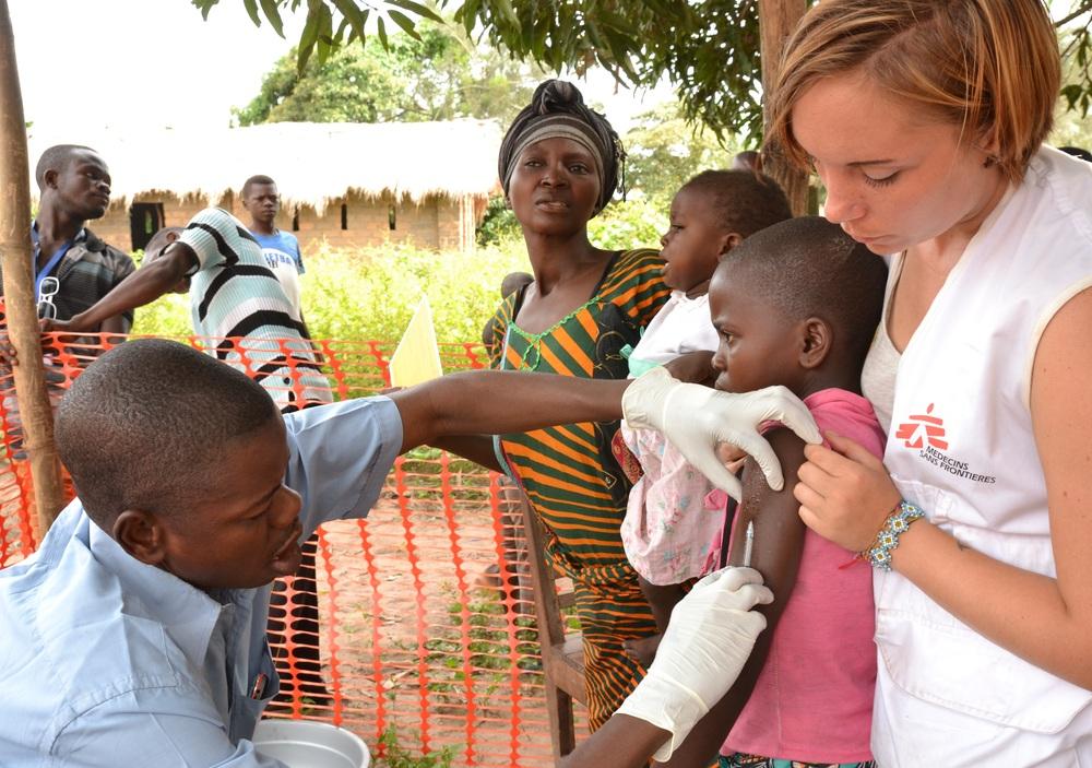 Mais de um milhão de crianças vacinadas contra o sarampo na República Democrática do Congo
