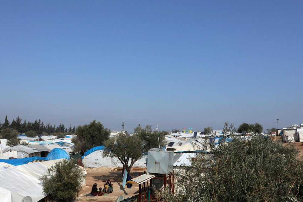 """Noroeste da Síria: """"Há crianças sentadas na neve, embaixo de árvores"""""""