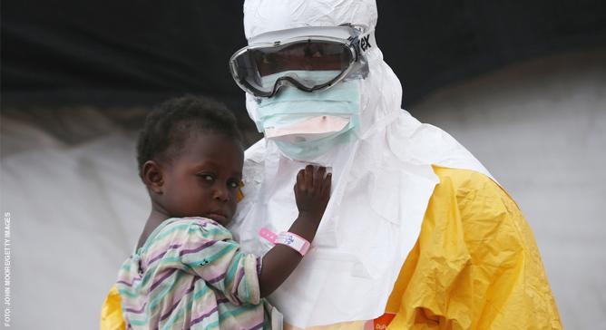 MSF é a organização humanitária com maior experiência no tratamento de pacientes com Ebola e começou a atuar prontamente na África Ocidental,  antes mesmo do surto ser oficialmente declarado.