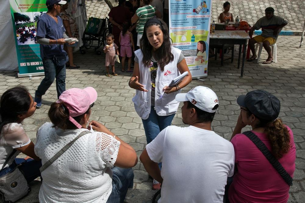 Psicóloga de MSF fala sobre cuidados com a saúde mental à população (Foto: Albert Masias/MSF)
