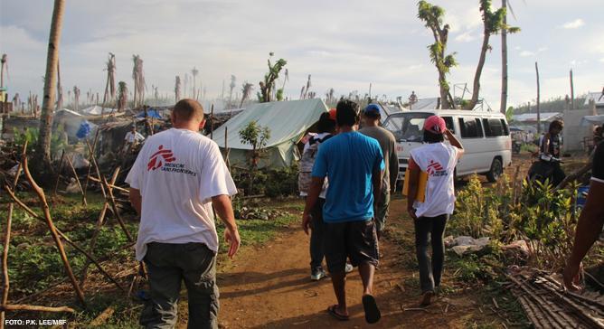 De catástrofes de larga escala a emergências locais, as redes de profissionais e de suprimentos de Médicos Sem Fronteiras pelo mundo garantem que possamos responder rapidamente aos desastres.