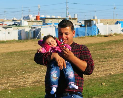 Suar, ex-enfermeiro de MSF, foi forçado a permanecer no campo de Domeez, no Iraque, até receber seus documentos para viajar. Seu sonho? Chegar à Europa para cuidar de seu filho, que está doente