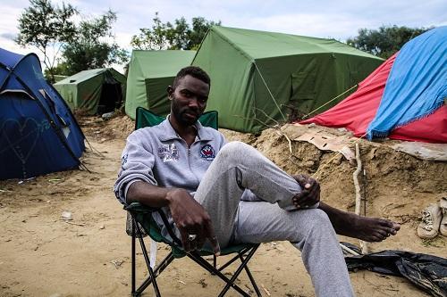 """Abu Ali, 27 anos: """"A França oprime os refugiados"""" (Foto: MSF)"""
