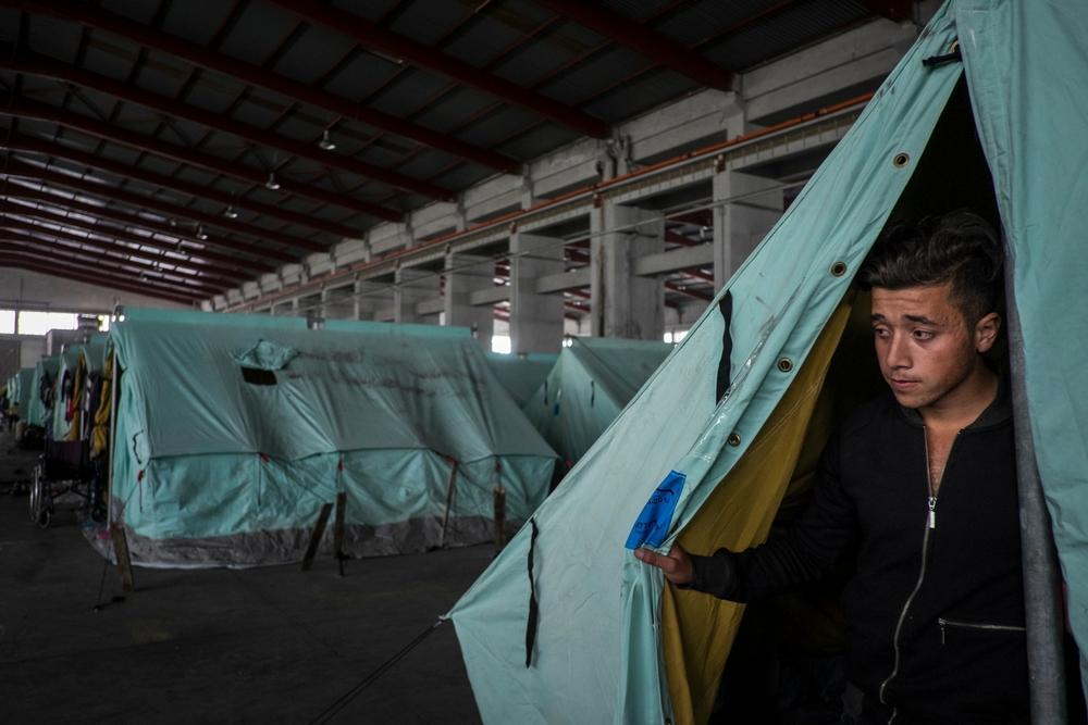 Migrantes e refugiados estão sendo relocados involuntariamente do campo de Idomeni (Foto: Jodi Hilton/Pulitzer Center on Crisis Reporting)