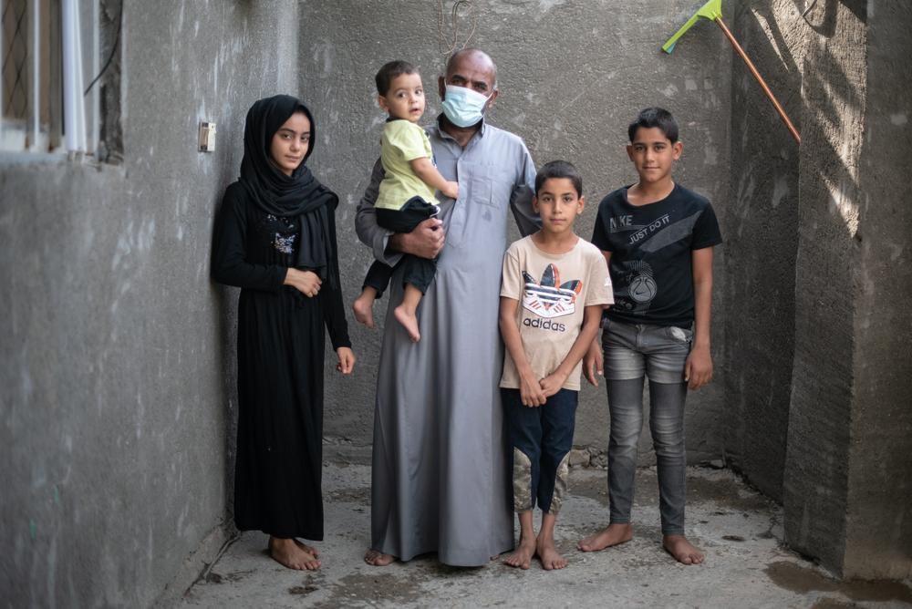 Ihsan, 44 paciente multirresistente (MDR-TB) e sua família. Foto por: Chloe Sharrock