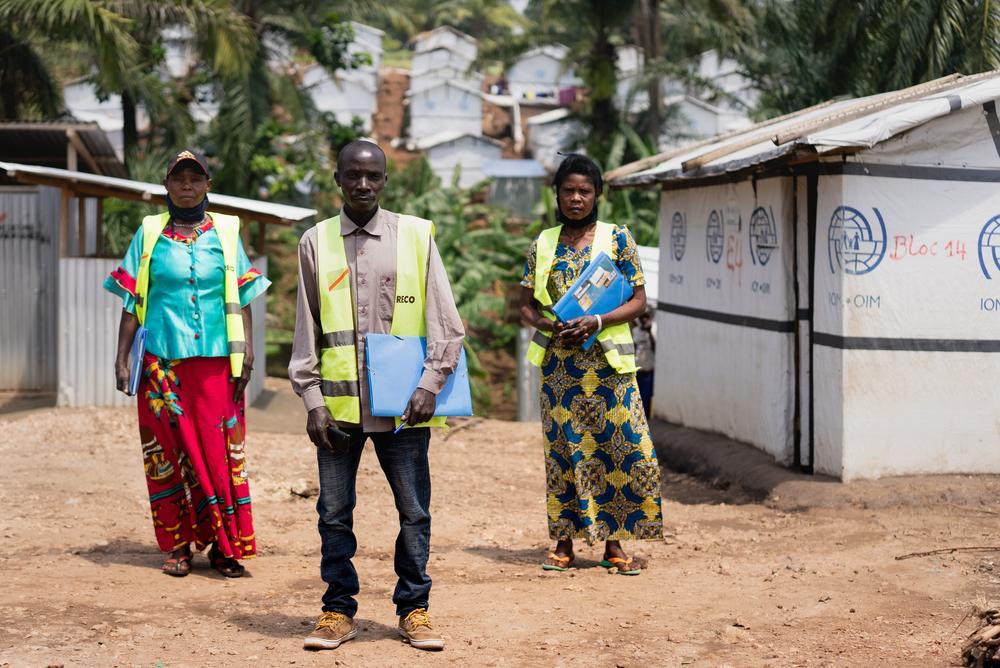 Equipe de revezamento comunitário (RECO) no local de deslocados de Ugudo Zii. Foto por: Gabriele François Casini