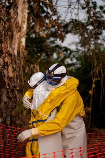 Desde março de 2014, MSF atua no combate à epidemia de Ebola, que teve início da Guiné (Foto: Peter Casaer/MSF)