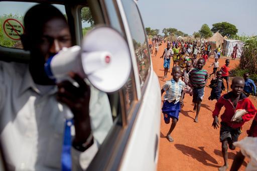 Campanha de vacinação de MSF contra pneumonia em Uganda (Foto: Sydelle Willow Smith / MSF)