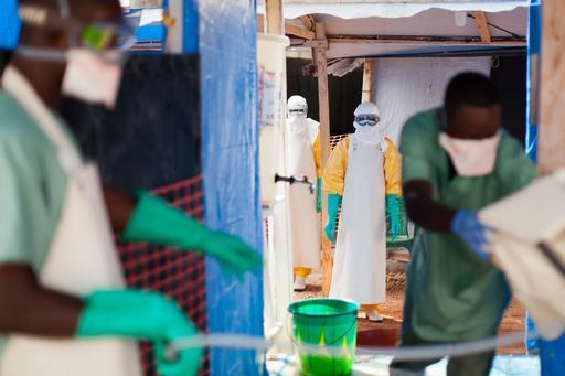 Desde o início da epidemia, 3.806 pacientes com Ebola foram tratados na Guiné. (Foto: Peter Casaer/MSF)