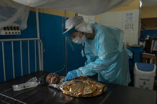 Fevereiro de 2015: Hospital JDJ Memorial, em Monrovia, na Libéria. MSF apoiou o hospital em melhorar os cuidados maternos e pediátricos, levando em conta o surto de ebola (Yann Libessart/MSF)