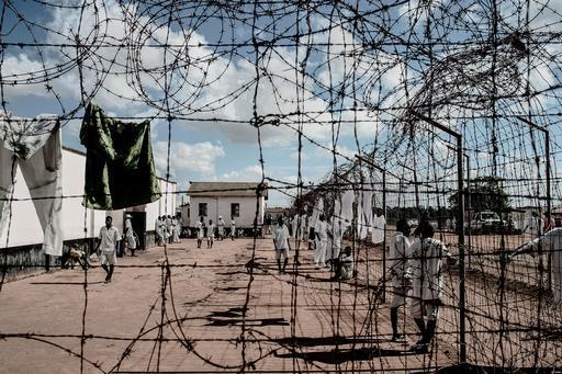 As condições de vida são precárias nas prisões do Malaui (Foto: Luca Sola / MSF)
