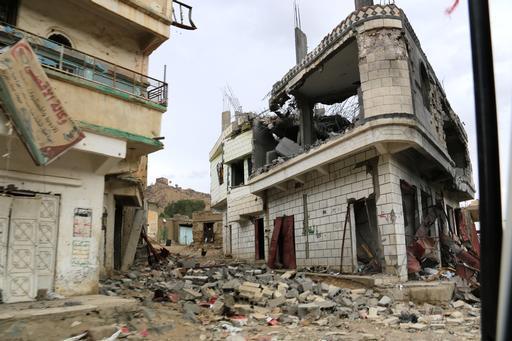 Infraestruturas destruídas por bombardeios em Haidan (Foto: Yann Geay/MSF)