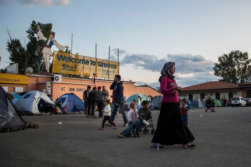 Sem informação a respeito de seu destino, migrantes e refugiados ficam ainda mais vulneráveis (Foto: Jodi Hilton/Pulitzer Center on Crisis Reporting)