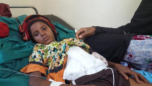 Sunood, de 12 anos, levou um tiro na barriga enquanto buscava água (Foto: Crystal VanLeeuwen/MSF)