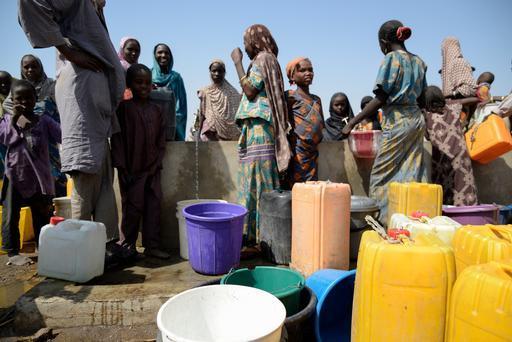 Distribuição de alimentos em Maiduguri (Foto: Aurelie Baumel)