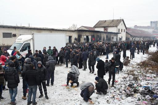 Distribuição de alimentos e cobertores em Belgrado, na Sérvia (Foto : Marko Drobnjakovic / MSF)