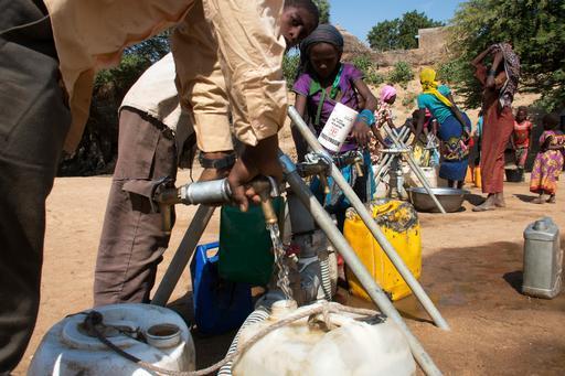 Ponto de água instalado por MSF em Am Timan (Foto : Abdoulaye Barry / MSF)