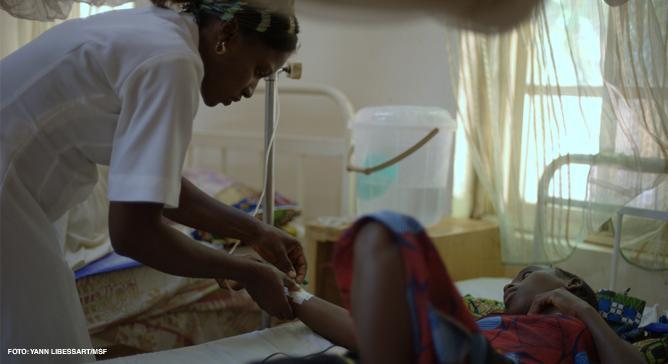 As equipes de Médicos Sem Fronteiras trabalham com gestantes para prevenir a ocorrência de fístulas obstétricas e tratam mulheres com a condição e oferecem suporte psicológico para ajudá-las a reconstruírem suas vidas.