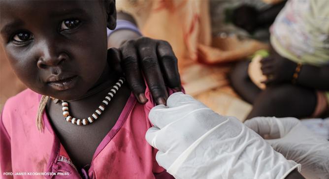 MSF vacina mais de dez milhões de crianças todos os anos contra doenças como o sarampo e a meningite e, mais recentemente, a doença pneumocócica.