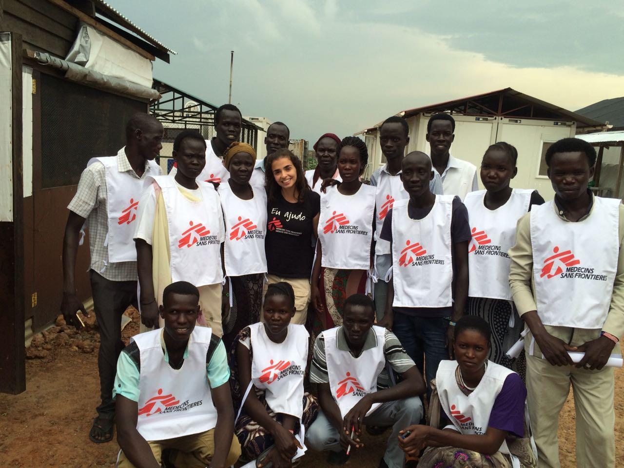 Lia com equipe nacional de MSF no Sudão do Sul (Foto: arquivo pessoal)