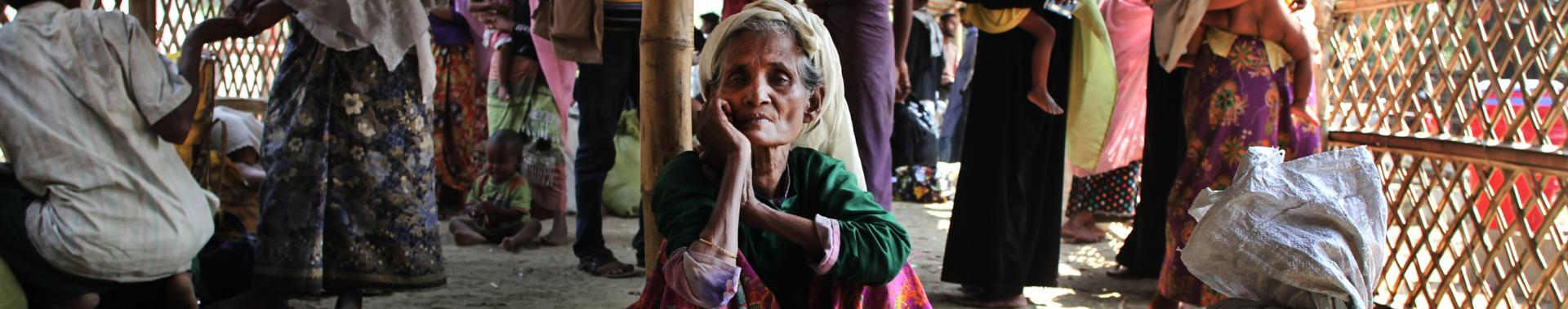 Um ano depois da fuga de Mianmar