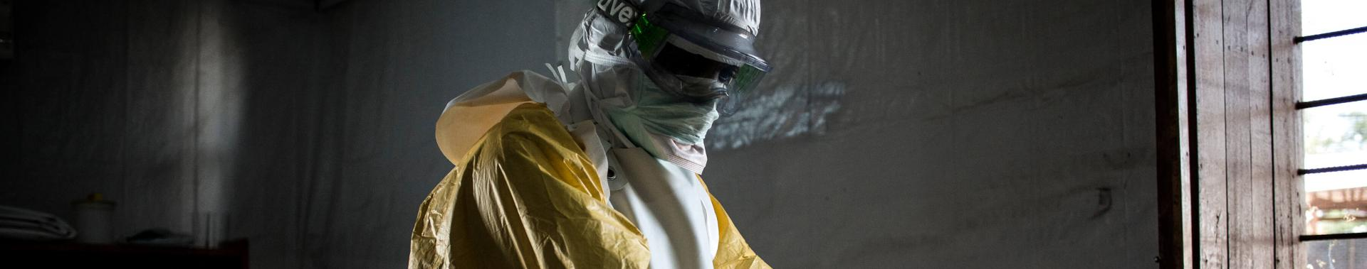 Ebola se espalha em áreas urbanas e isoladas na RDC