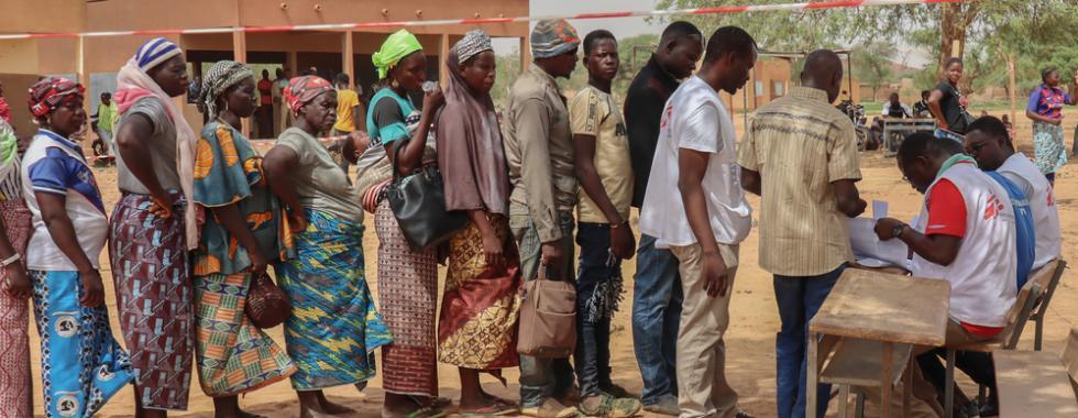 Em Burkina Fasso, 386 mil pessoas vivem em condições degradantes