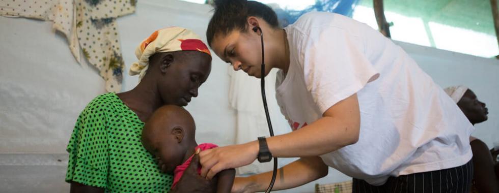 Sul-sudaneses encontram atendimento médico de emergência na Etiópia