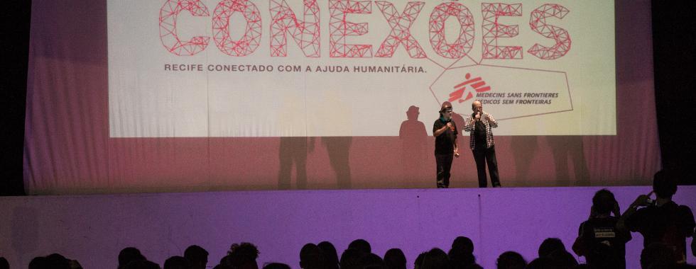 Cinema a céu aberto marca abertura do Conexões MSF no Recife