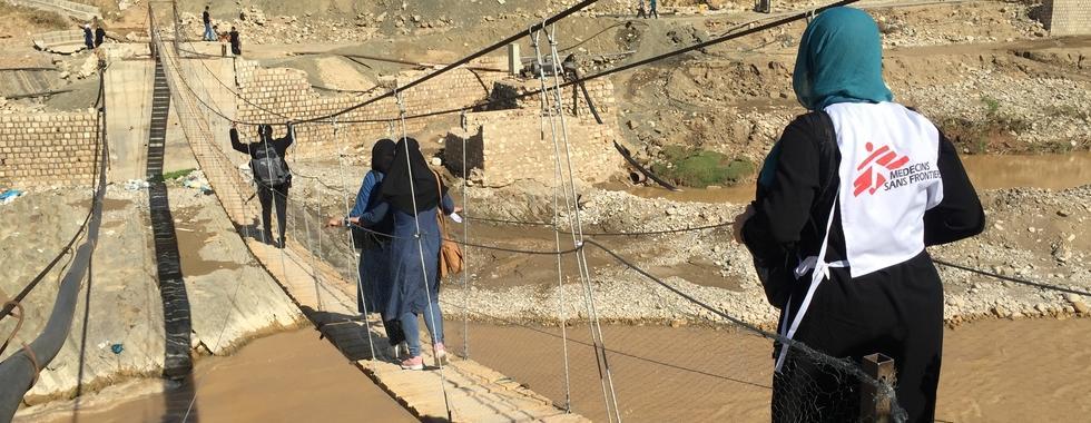 Oferecendo cuidados de saúde a pessoas vulneráveis em Lorestan após enchentes no Irã