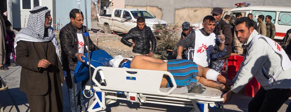 Iraque: a difícil jornada de curar feridos em Mossul