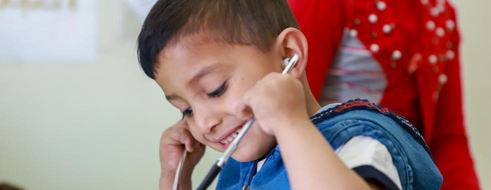 Tratando crianças sírias que sofrem de talassemia