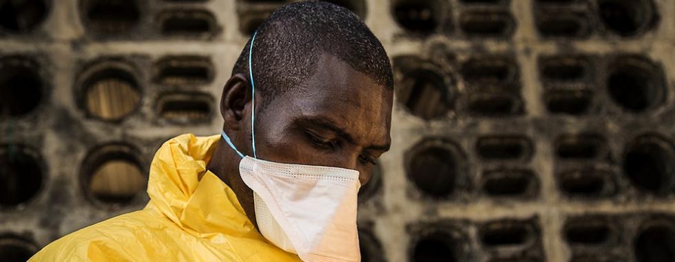 Sobreviventes do Ebola: cura pela partilha