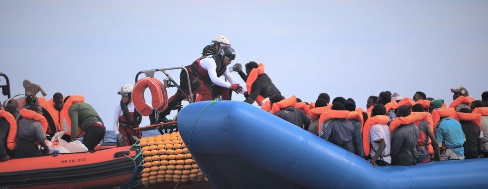 É preciso pôr fim a políticas que prolongam o sofrimento das pessoas no mar